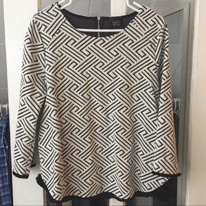 W5 graphic woven top in black and white